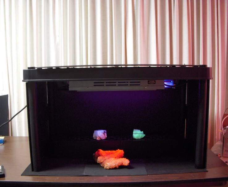 Building A Fluorescent Mineral Display